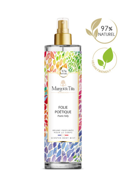 150ml vegan scented body mist Poetic folly from the brand Margot&Tita. Fruity scent composed on top of grapefruit, rhubarb and orange. In heart blackcurrant, plum, yellow fruits and in base magnolia, vanilla, ambery, musky, woody.