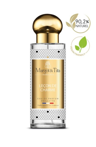 30ml perfume Lessons in charm from the brand Margot&Tita. Floral scent composed on top of lemon, geranium, rose and lavender. In heart white flowers, peony, magnolia and in base vanilla, woody, ambergris.