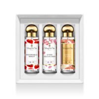 "Trio gift box A flower love with 3 30ml perfumes ""Mademoiselle Margot"", ""Rose suits you so well"" and ""Scarlett & Jayne"" by Margot&Tita. 3 fragrances with floral and delicate notes."